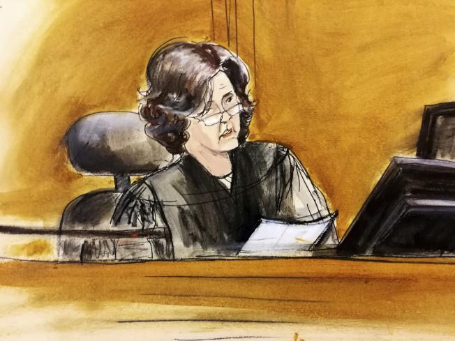 聯邦法官伍德16日裁定川普及律師無權先審閱被抄走的文件。(美聯社)