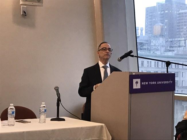 紐約大學社工學院副教授馬丁認為,中國留學生面臨的最大困難是語言問題。(記者和釗宇/攝影)