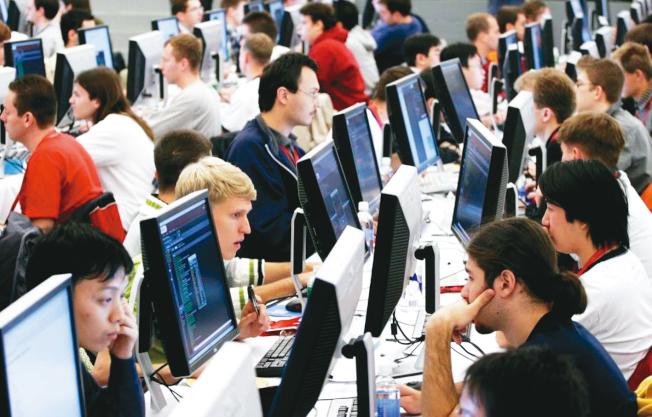矽谷平均薪資高居全美第一,工程師的高薪是主因。(美聯社)