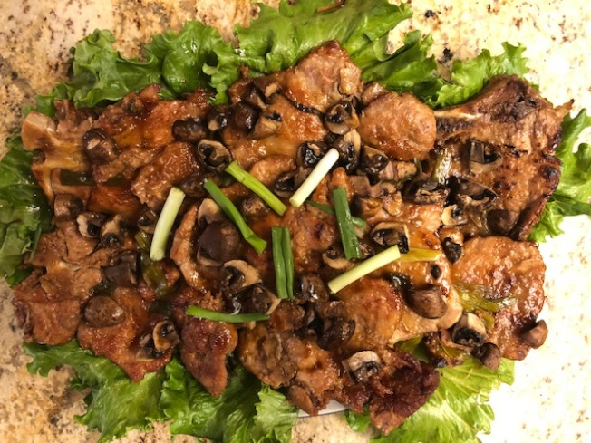 蘑菇蔥烤大排骨