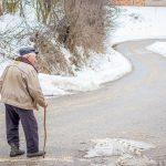 預防跌倒 美指南:老年人須運動
