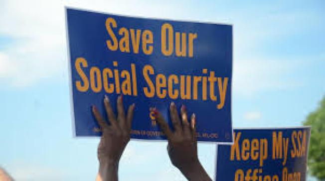 美國總統川普日前簽署行政令,要求對聯邦政府的援助和福利計畫進行改革。華人社區人士表示,部分華裔年長者有濫用社會福利現象。(網路照片)