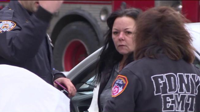 布倫斯撞死人後,被急救人員送醫。(翻攝視頻)