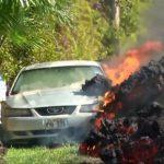 直击!夏威夷火山熔岩 转眼吞噬车辆