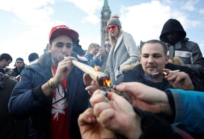 大麻支持者表示,全美超過60%的人支持大麻全面合法。(路透)