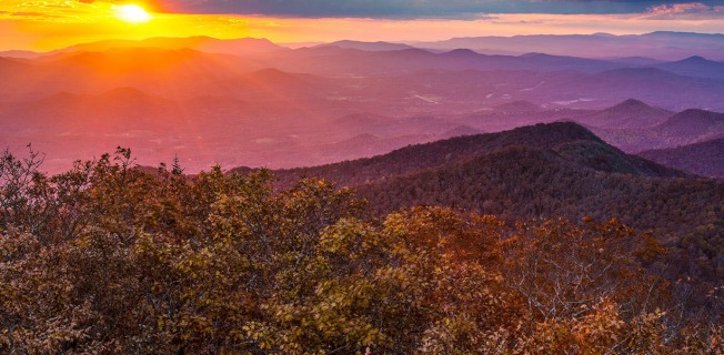 阿帕拉契山成為美國最新的熱門退休點。圖為喬治亞北部山區的日落。(Getty Images)