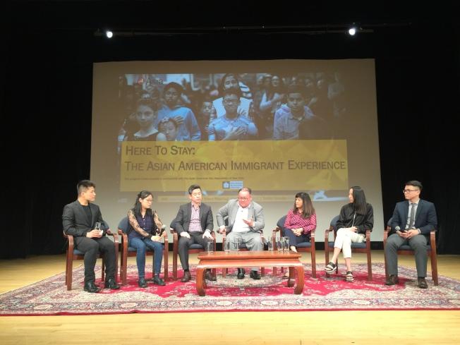 亞洲協會15日晚於曼哈頓舉辦移民故事分享會,鼓勵更多移民勇於分享自己的故事,讓執政者聽到草根聲音。(記者顏嘉瑩/攝影)