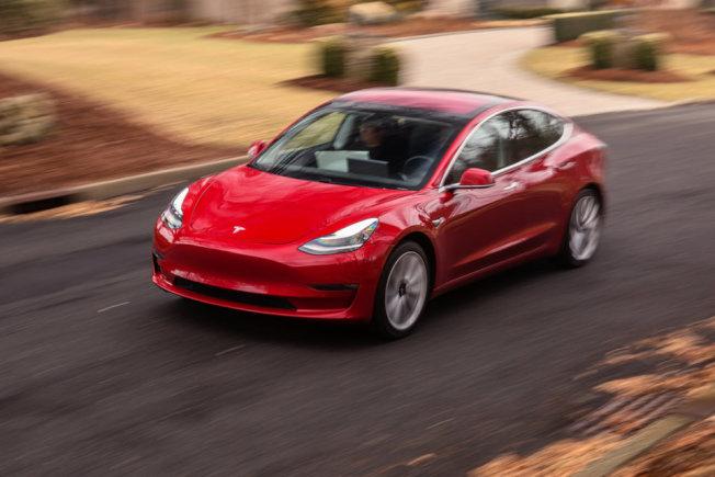 馬斯克15日宣布本月底前關閉佛利蒙車廠的Model 3生產6天。圖為Tesla的Model 3。(Getty Images)