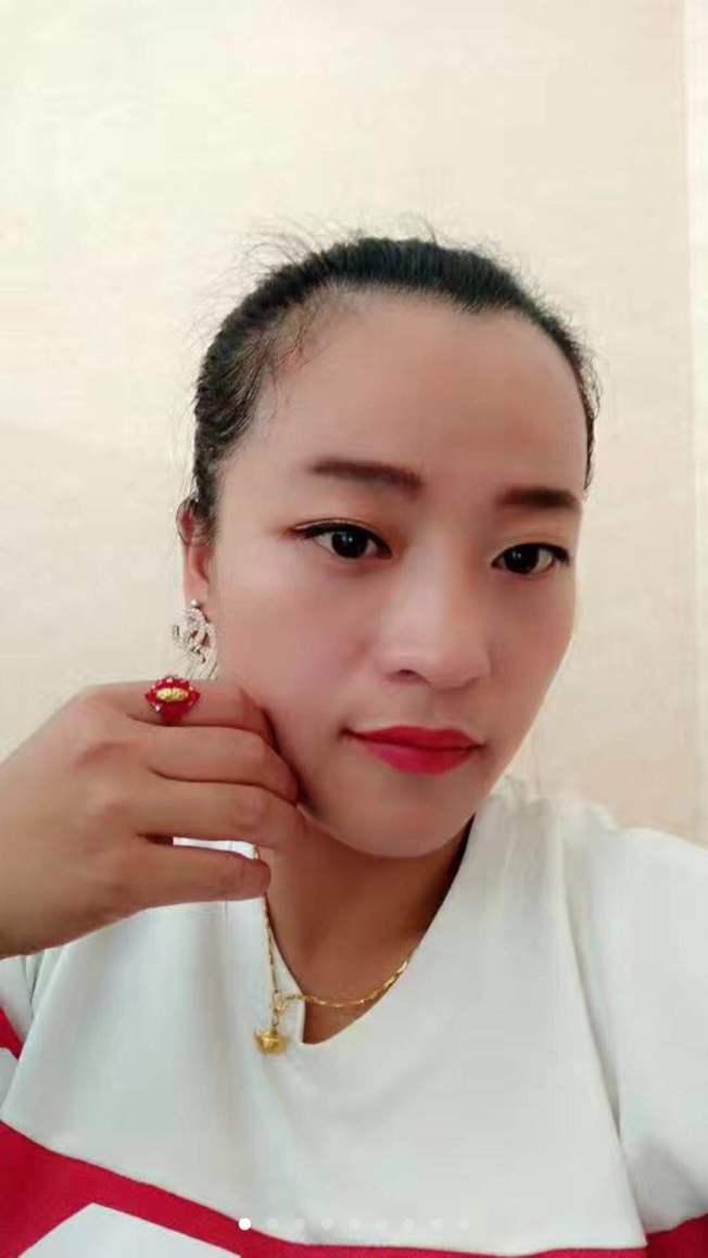 失散33年的大女兒蔣麗玉目前住在河北,與丈夫育有四個子女。(林雪英提供)
