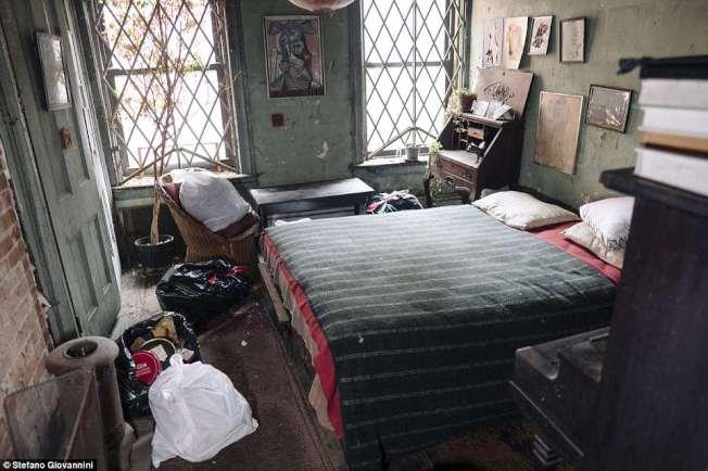 雖然老舊,但這間位於紐約曼哈頓的公寓,月租只有28美元。(取自英國每日郵報)