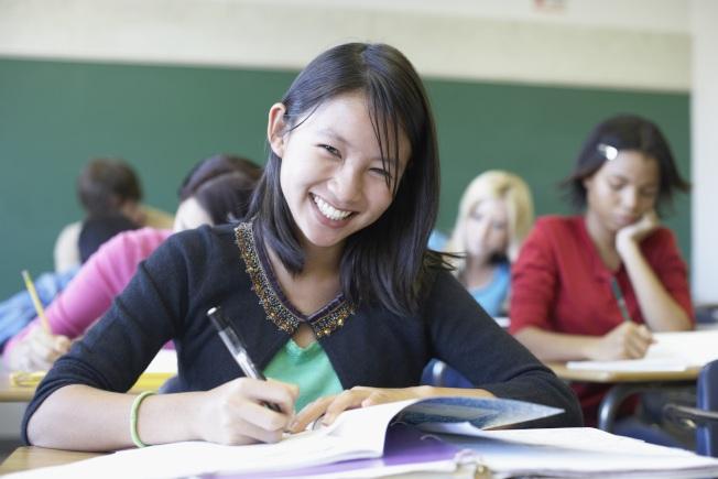 不打工,回舉校去進修也是青少年的選項之一。(Getty Image)