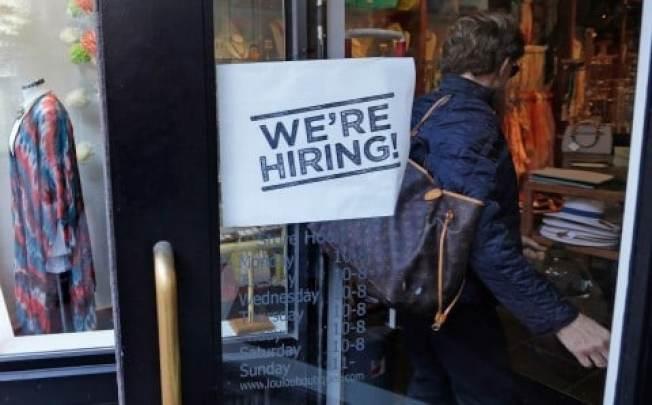 勞動市場收緊對從事低薪工作的青少年來說是有利的。(美聯社)