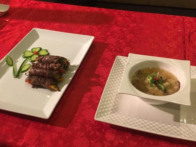 眾多料理中,主流人士最愛「塔香牛肉捲」與「蝦仁羹」。(記者謝雨珊/攝影)