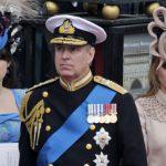網友:先別管梅根的婚紗了 碧翠絲公主要戴什麼帽子?