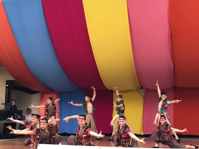 台灣體育運動大學舞蹈團隊「點亮台灣」舞蹈獲得全場掌聲雷動。(主辦方提供)