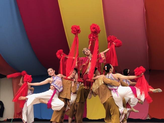 台灣體育運動大學舞蹈團隊演出「點亮台灣」全場掌聲雷動。(主辦方提供)