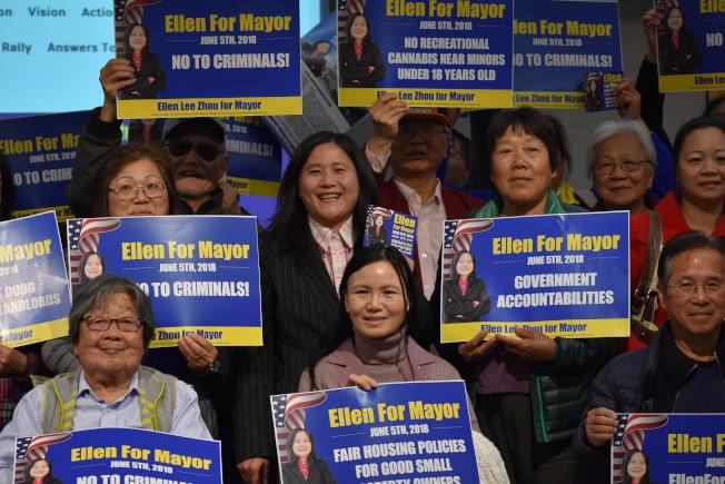 選民登記截止日前,市長候選人李愛晨呼籲華裔登記為選民,憑良知投票。(記者李秀蘭/攝影)