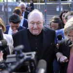 瞞神父性侵 澳大主教被判有罪