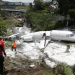 飛機斷成兩截  4奧斯汀乘客生還