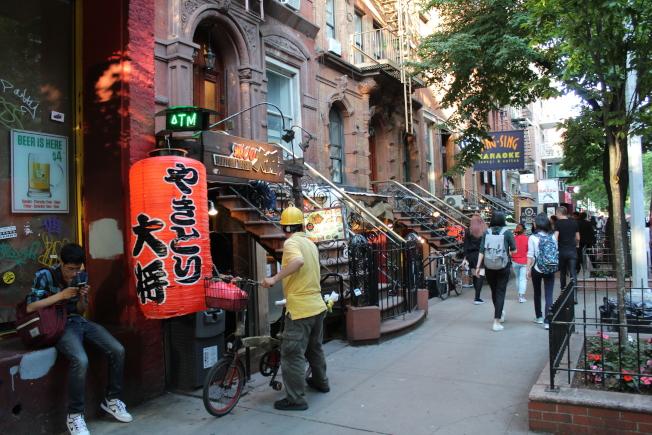 東村有許多日本餐館。(記者劉大琪/攝影)