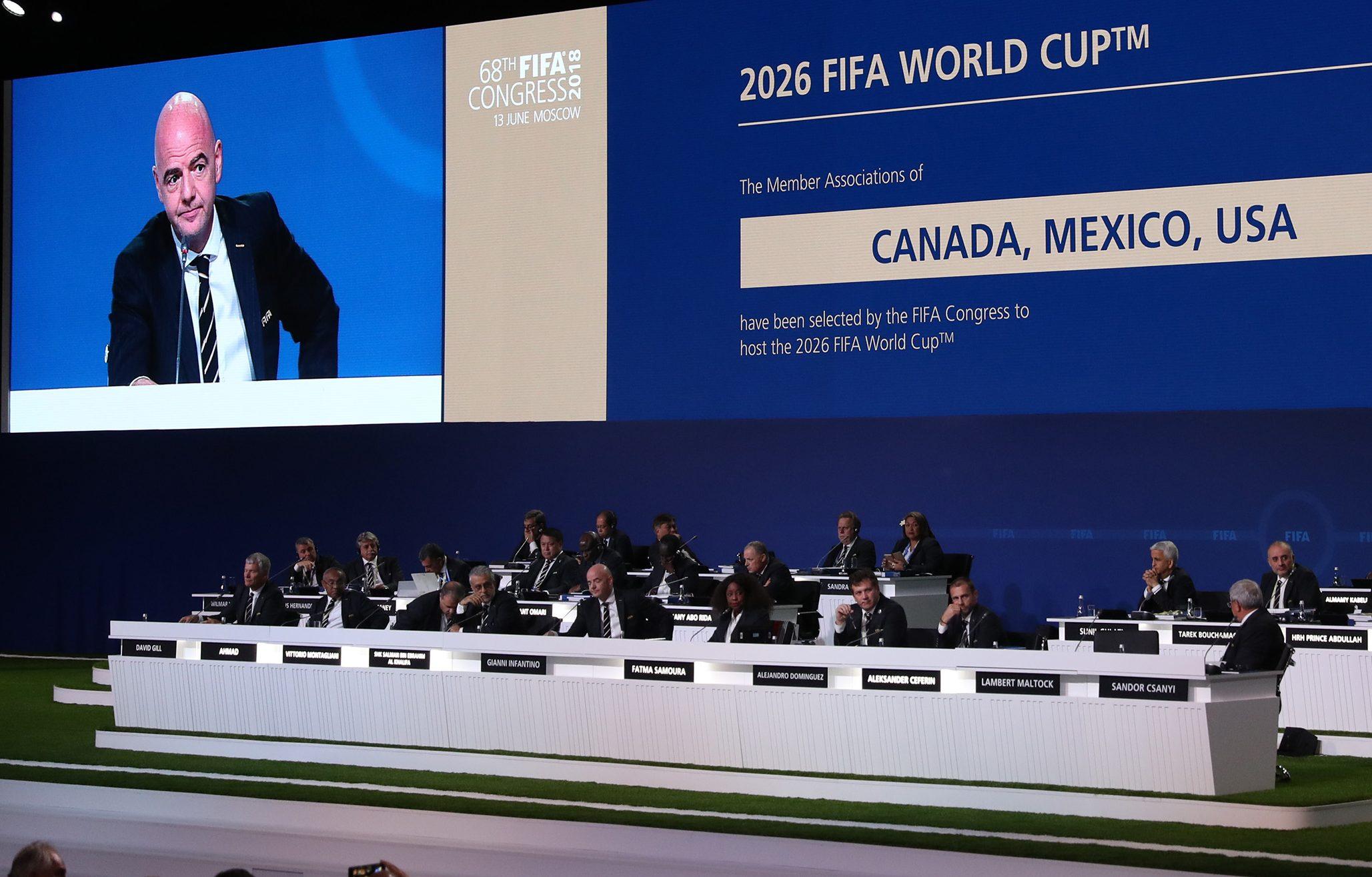 經過狂熱的遊說,美國、墨西哥和加拿大組成的「北美聯盟」,13日以贏得壓倒性票數贏得2026年世足賽的主辦權。(TNS)