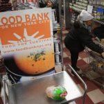 她月入3100元 卻得靠食物銀行救濟