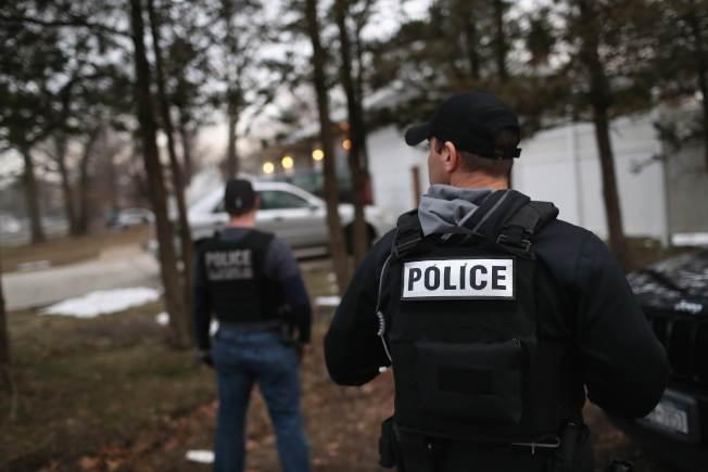 紐約州警方配合國土安全部探員在長島逮捕一名MS-13成員。(Getty Images)