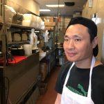 中餐館挖土種花 遭抹黑殺狗煮食