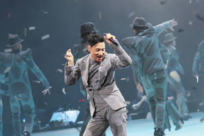 中國警方於兩個多月間第4度在張學友演唱會場逮到逃犯,有媒體因此稱張學友是「逃犯剋星」。(環球提供)
