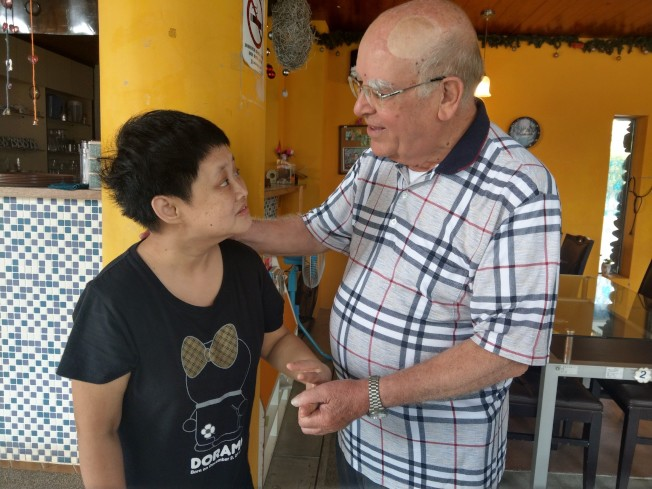 呂若瑟神父創辦聖嘉民啟智中心,31年來照顧無數急重症智障病患。(記者張芮瑜/攝影)