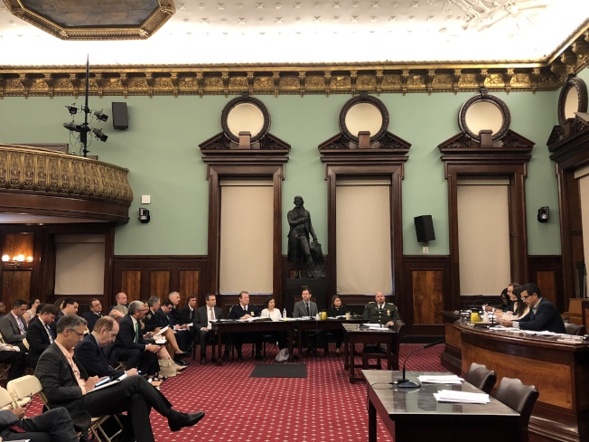 市議會就14項管制特權停車證的提案進行公聽。(記者金春香╱攝影)