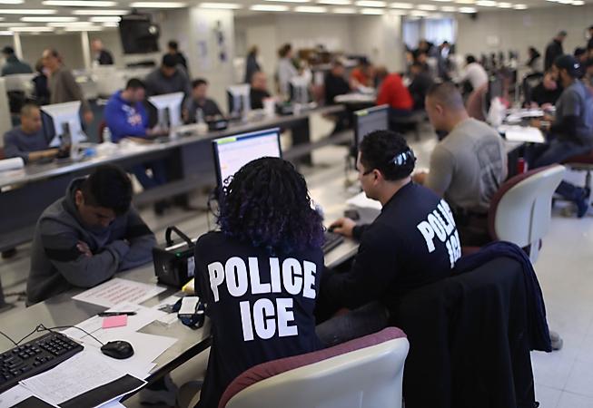 波士頓移民局官員承認有些無證移民的拘留程序不合法規。(法新社)