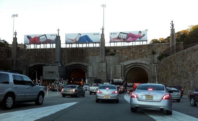州交通廳提醒,想通過495公路進入林肯隧道需做好堵車準備。(Wikipedia)