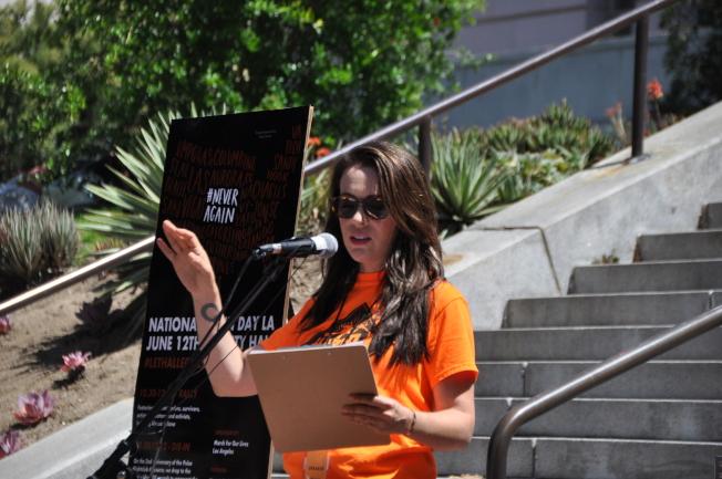 女演員Alyssa Milano是第一個發表演說的嘉賓。(記者王若然 / 攝影)
