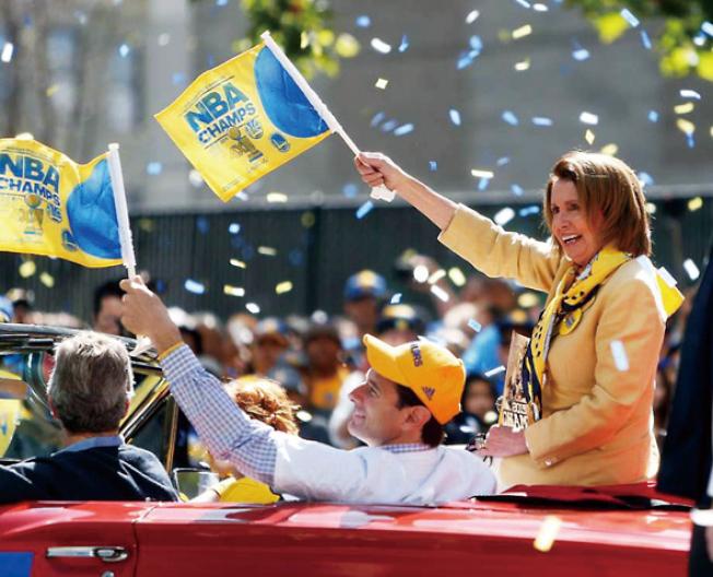 波洛西12日也參加了勇士的冠軍遊行,她也是勇士球迷。(Getty Images)