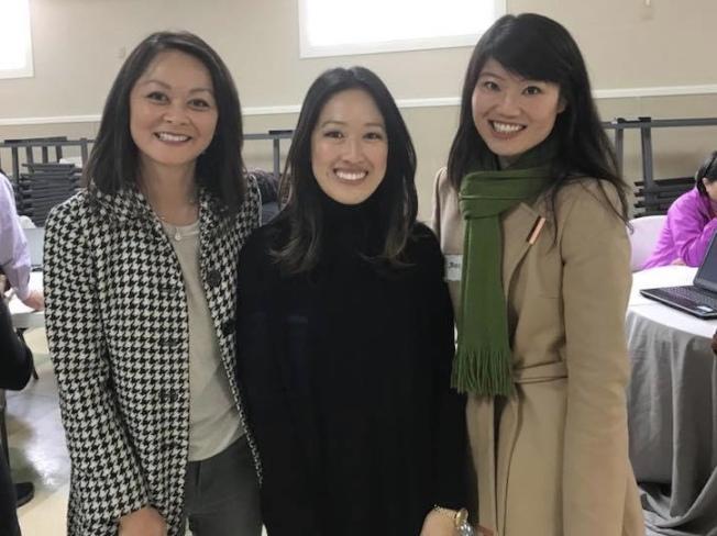 過去兩任日落區市議員朱嘉文(左起)、湯凱蒂及助理Jessica Ho。(取材自Jessica Ho臉書)