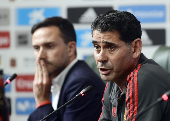 西班牙隊臨陣換帥,由耶羅(右)接任教練。(Getty Images)