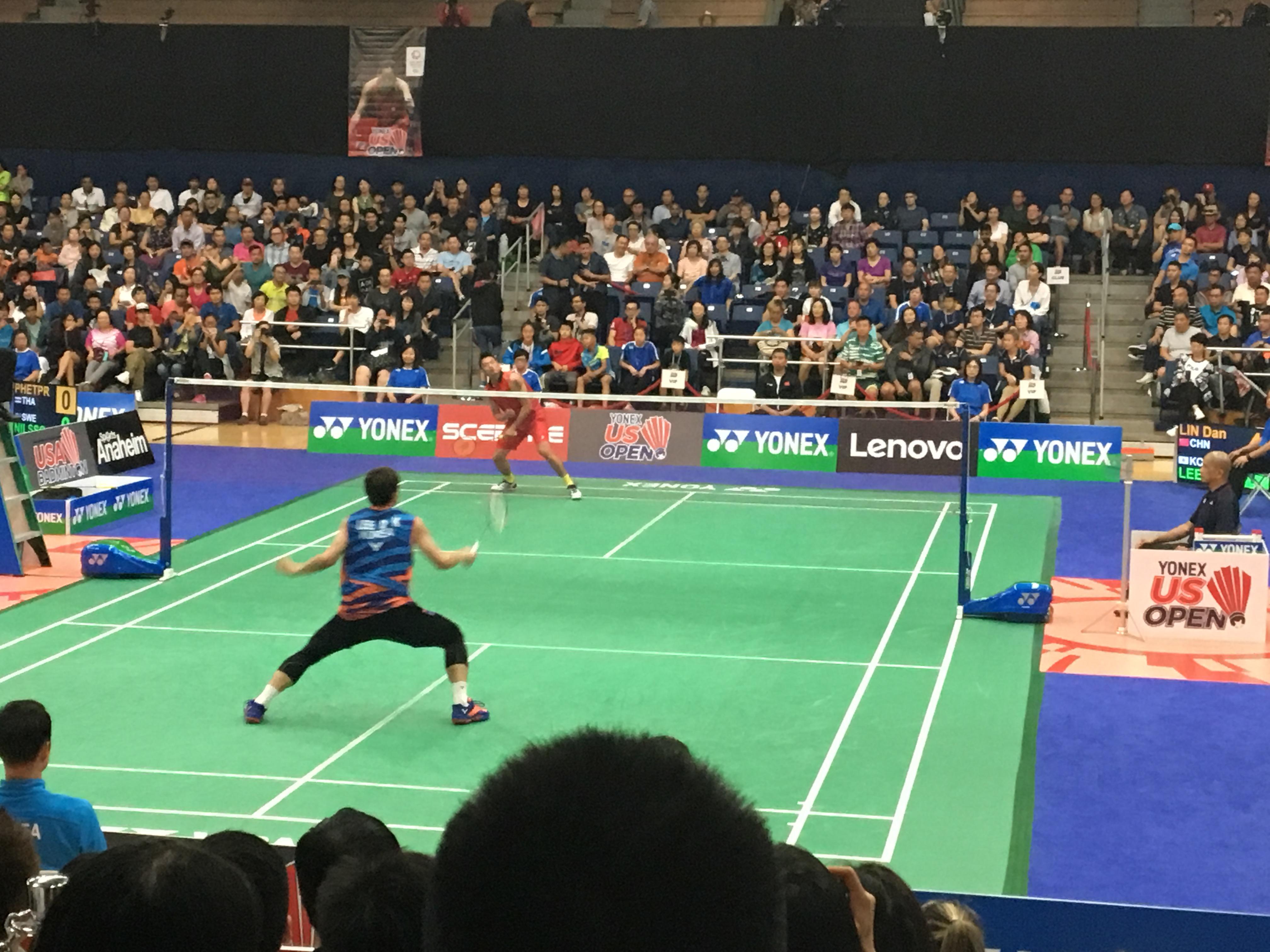 中國羽球著名選手林丹(對面)與韓國選手李東根單打比賽中。(記者啟鉻/攝影)