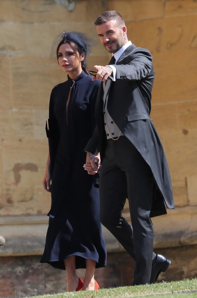 貝克漢夫婦上個月出席英國皇室婚禮,維多利亞就又被嫌擺臭臉。(歐新社)