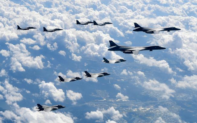 美國和南韓戰機與轟炸機去年9月在朝鮮半島進行聯合軍演。美聯社