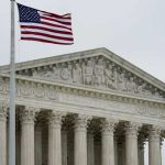 最高法院:州法若禁選民穿政治訊息服裝投票 違憲