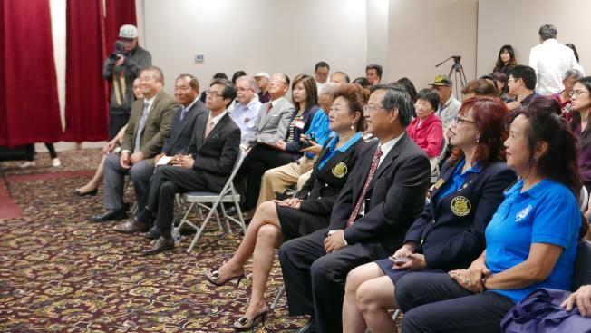 世界日報和南加州中國大專院校聯合校友會合辦的就業展,15日舉行。(記者李雪/攝影)