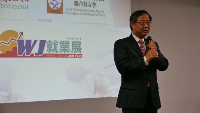 洛杉磯世報社長郭俊良表示,舉辦這樣的展會服務社區,是作為一個媒體應該做的。(記者李雪/攝影)