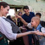 裘莉5訪伊拉克大城摩蘇爾  「別忘了 居民在重建家園」
