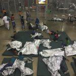 無證移民收容中心直擊 20人關一籠 數百兒童關「狗籠」