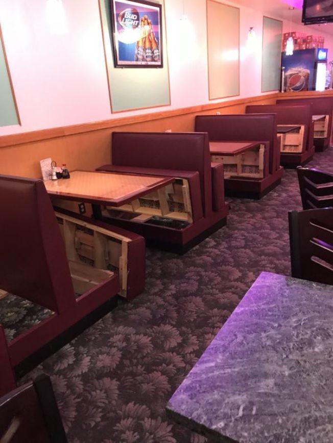 肯塔基州一家中餐館的座位也被ICE執法人員翻開。(本報檔案照)