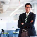 印裔醫生寫手 獲貝佐斯、巴菲特任命新醫保公司總裁