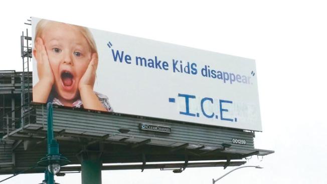 東灣880號公路的一個巨型廣告看板被人改造,原來的字句變為「我們使孩童消失了」(We make kids disappear),署名是聯邦移民及海關執法局(ICE),用來諷刺川普政府拆散無證移民家庭的政策。(取材自臉書)