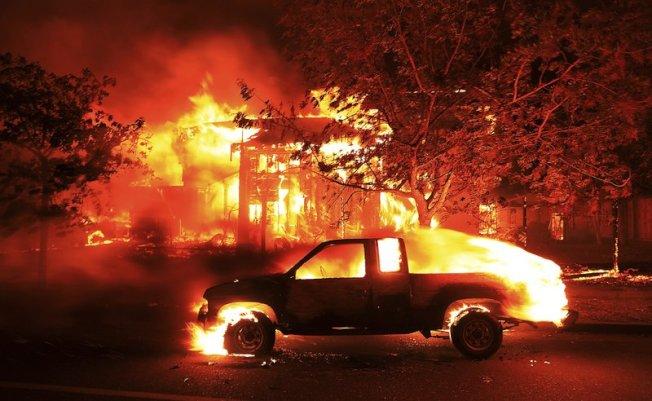 加州北湾大火44死、上千民宅损毁 PG&E要赔25亿(图)