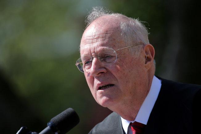 將滿82歲的最高法院大法官甘迺迪宣布退休。(路透)